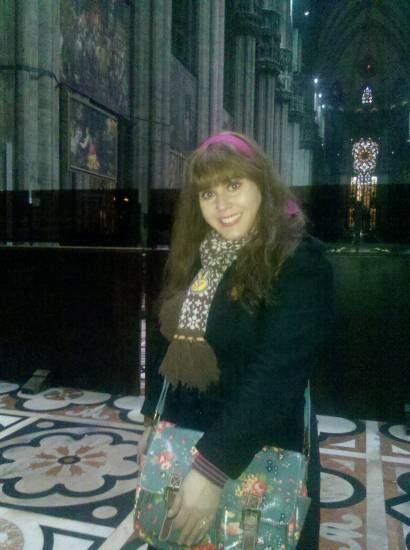 Milan cathedral, Jan 11th, 2013 - Go for another unexpected mix! The headband is the belt of a blouse!