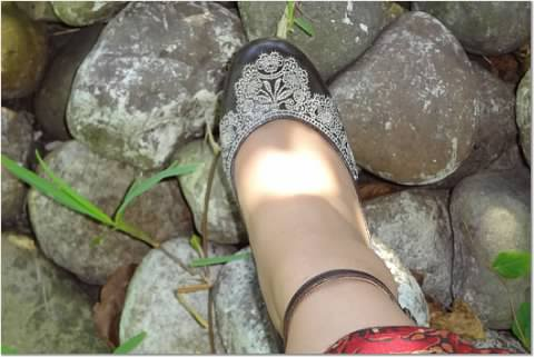Shoes, like embroidered, by Chie MIhara