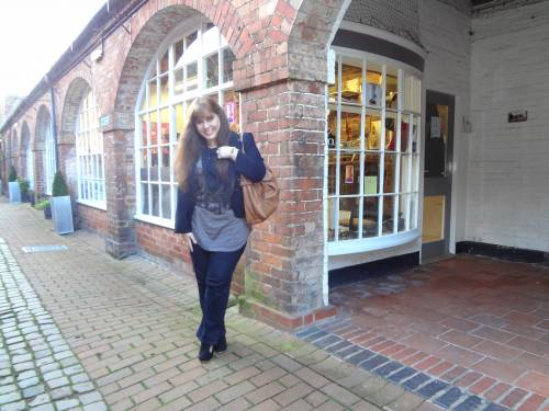 My casual outfit in Bewdley Museum/ Top, All Saints. Jeans, Next. Boots, Irregular Choice. Jacket, Fillity. Bag, Betty Barclay. Scarf, I don't know :)