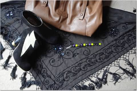 "And here you can see: tassel scarf, ""ray"" suede boots - with perspex heels!, bag and glass bracelet"