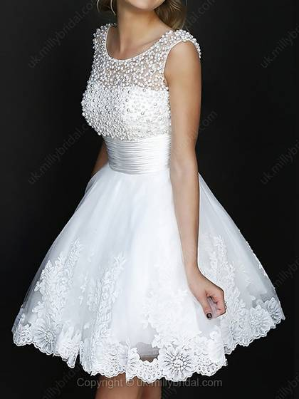 A-line Scoop Tulle Satin Short/Mini Beading Homecoming Dress