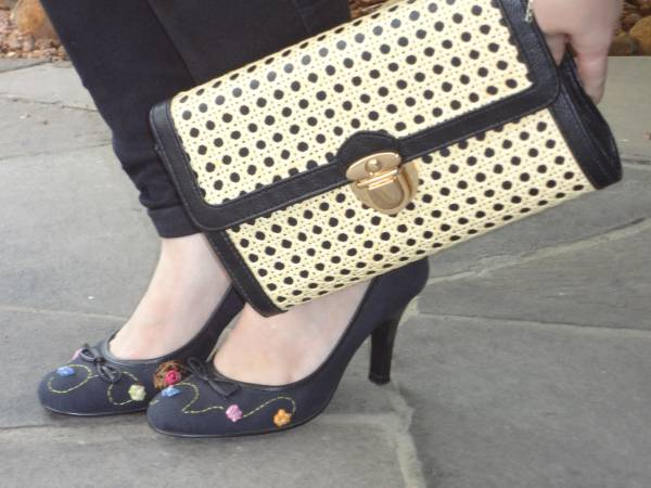 Shoes, Arezzo. Clutch, Asos