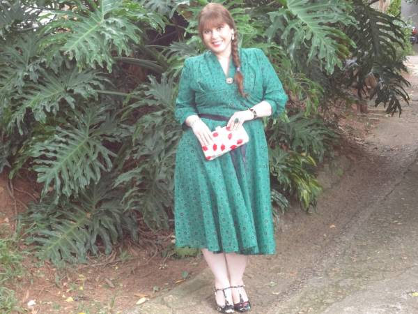 The day was so bright! That is a pure image, no filter! I am wearing a vintage brooch, from Bewdley Antique shop, Lulu Guinness clutch, Louloux Provence shoes