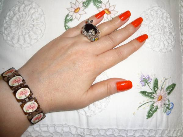 I wanted to try this orange nail polish - Colorama. Ring, NeoGlory from Birmingham