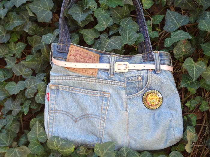 That is a Levi's jeans - I transformed it into a bag!