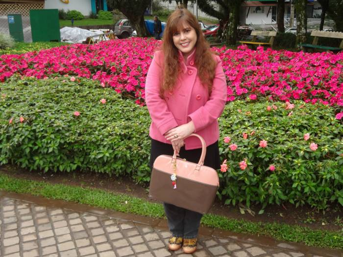 Nice pink flowers! Louloux camo boots, Primark bag, Asos jeans and tunic