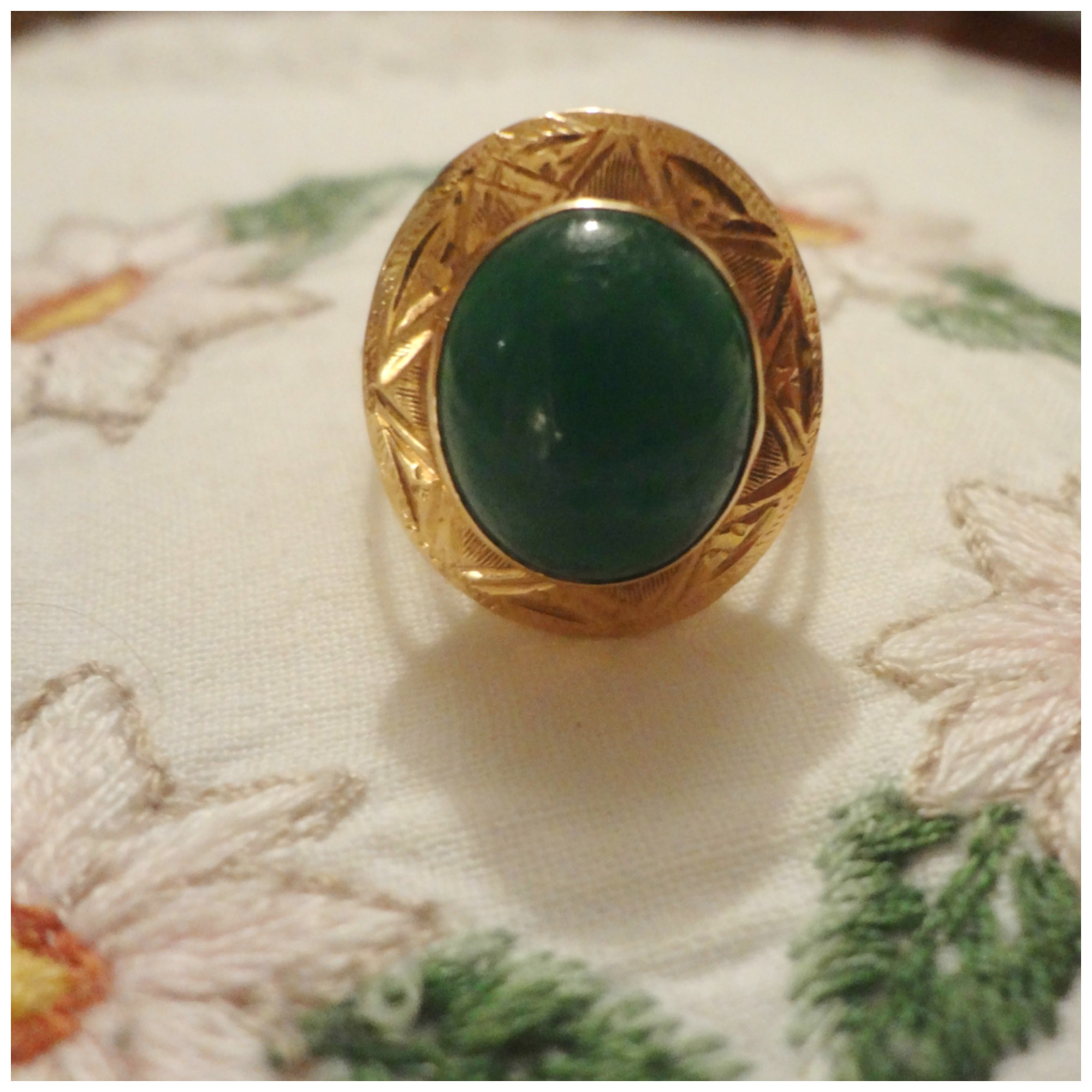 I really love this ring, since I was a child!