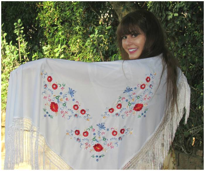 Such a lovely flameco shawl!