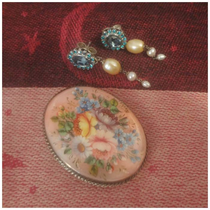Russian mother of pearl handpainted brooch and Swarovski earrings