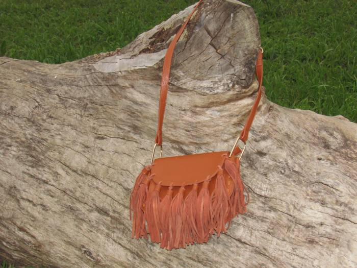 I am totally in love with this bag! Amaro