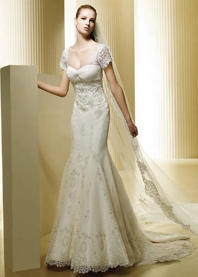 Affordable Cap Style Sleeves Lace Satin Mermaid Style Court Train Dress For Brides