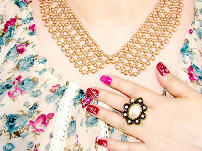 Pearl collar-necklace, don't remember :)