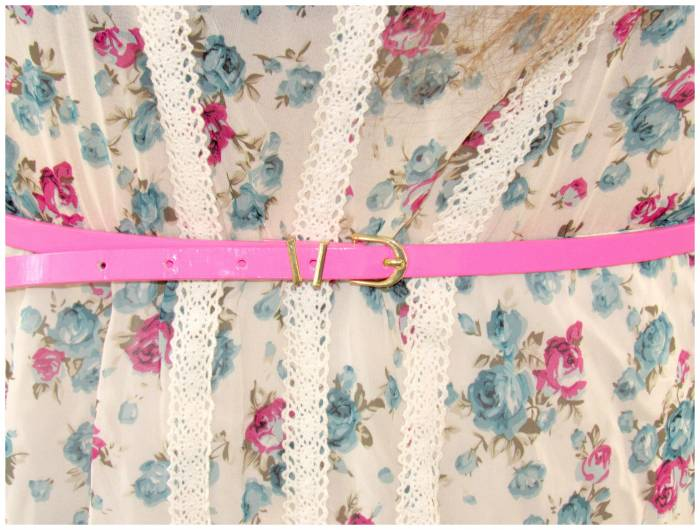 Such a romantic floral tunic, I love this print
