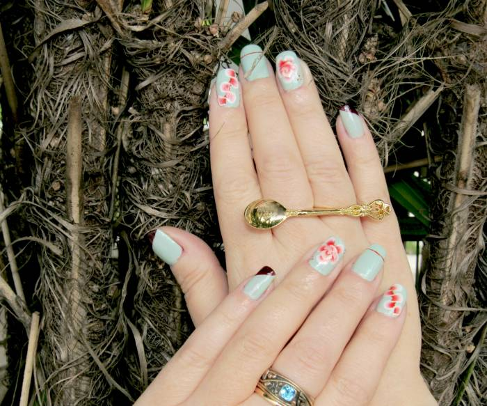 Nail art of the week and spoon ring :) Jack Wills mint nail polish, very good quality, I recommend