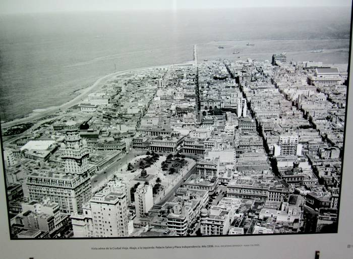 Open air exhibition, old picture of Montevideo, with the extension of beaches