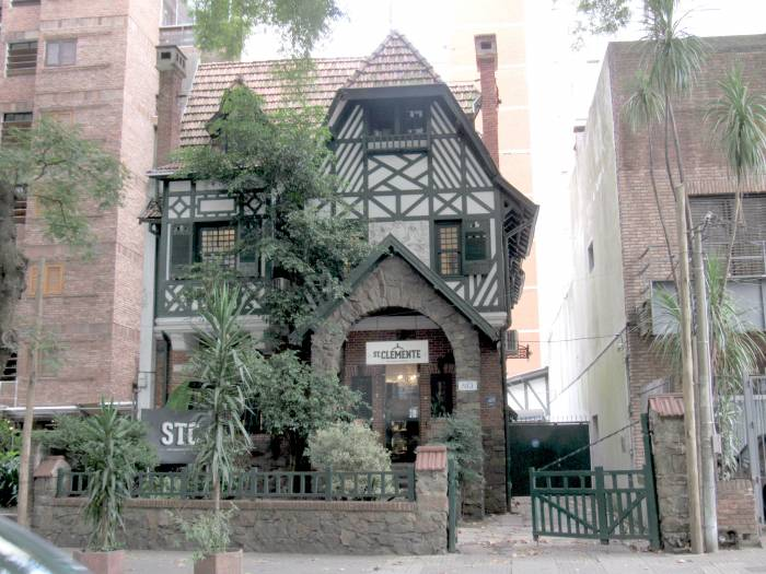 Admire local architecture - amazing house in Montevideo