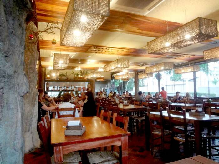 Mangai-restaurant, typical food, it seems it's the best in the city